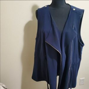 CJ Banks - navy blue flowy vest